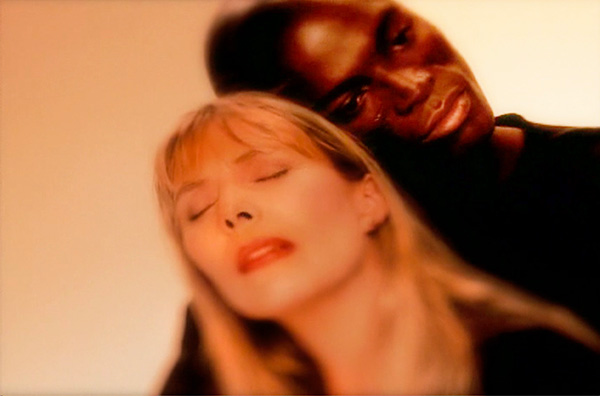 Joni Mitchell and Seal music video How Do You Stop directed by Rocky Schenck